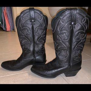 Ariat round toe boots